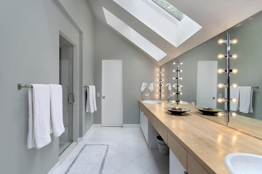 shutterstock 47444104. 40 Luxurious Master Bathrooms  Most with Incredible Bathtubs