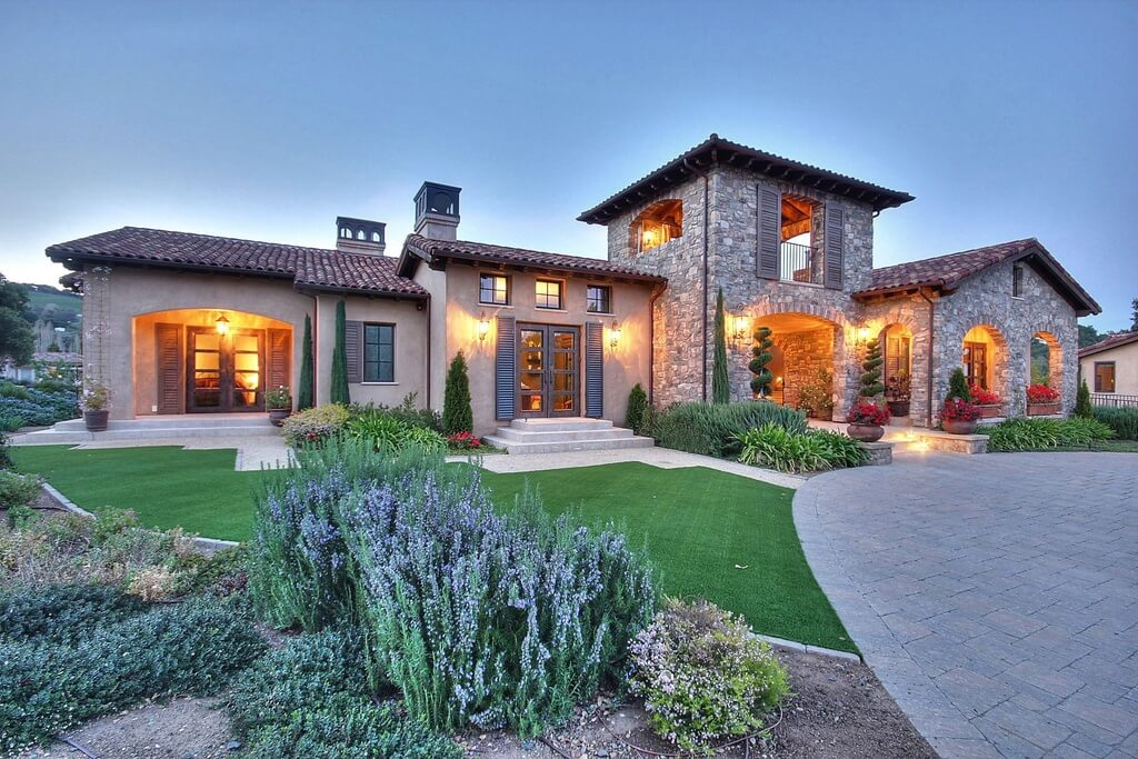 8 630 square foot grand tuscan mansion design Estate home designs