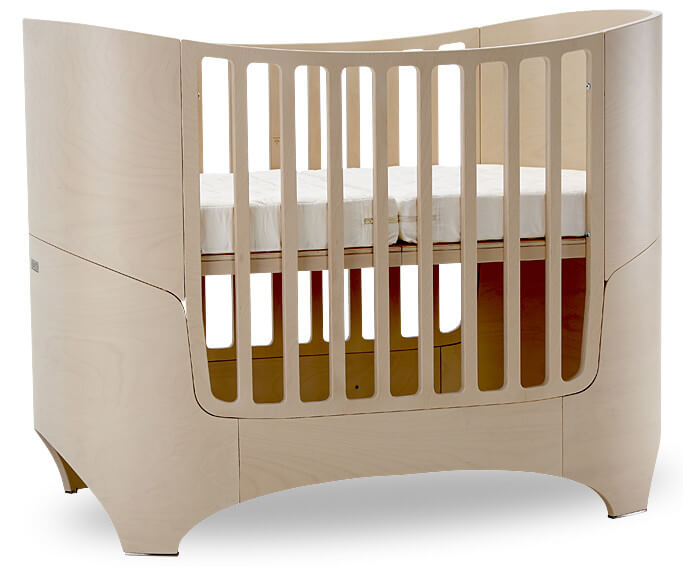 16 Beautiful Oval Amp Round Baby Cribs For Unique Nursery