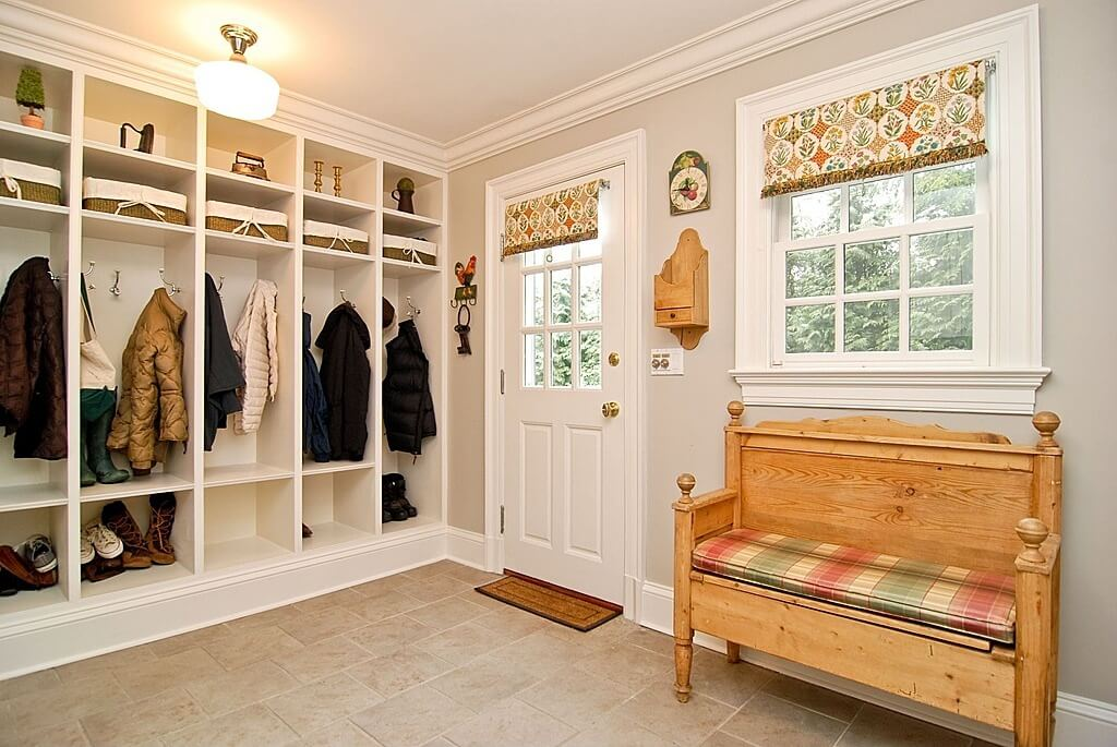22 incredible mudroom ideas with storage lockers benches for Garage mudroom designs