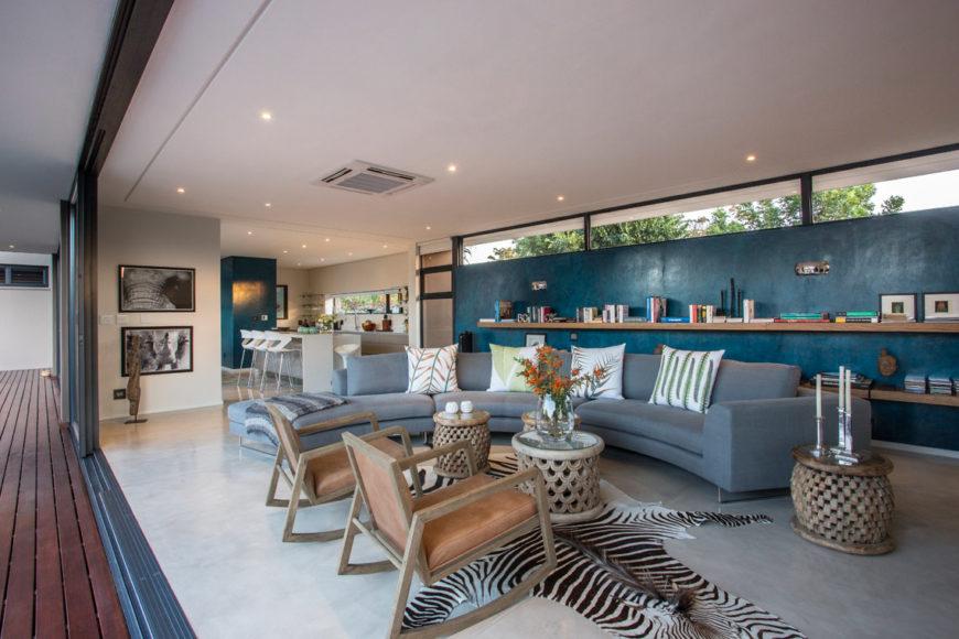 metropole architects design contemporary minimalist safari home. Black Bedroom Furniture Sets. Home Design Ideas