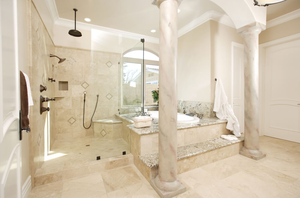 34 luxury white master bathroom ideas pictures - Carrelage salle de bain beige ...