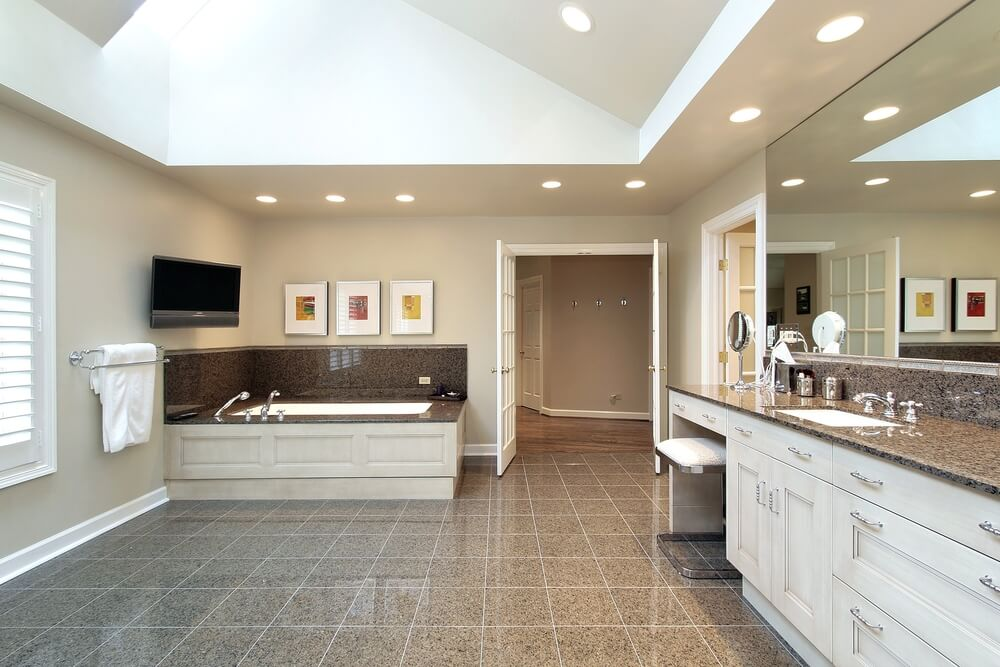 34 luxury white master bathroom ideas pictures for Light brown bathroom ideas