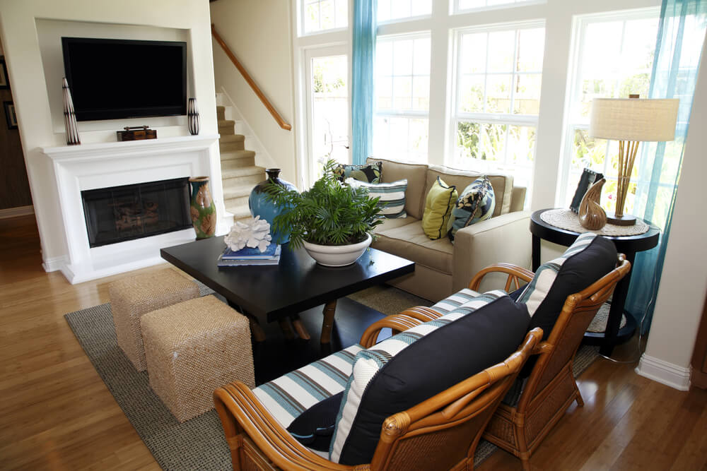6 ways to make a small room feel bigger - Expansive large glass windows living room pros cons ...