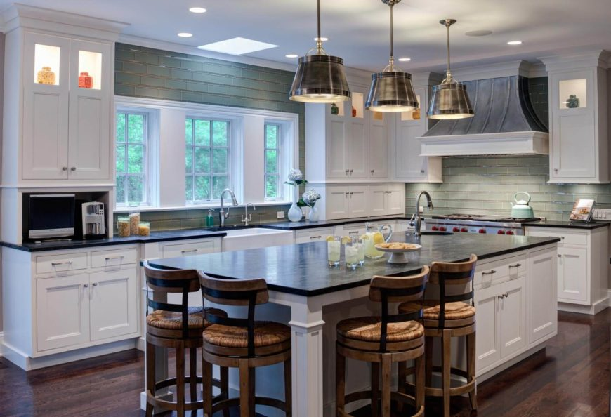 white traditional cottage kitchen design with a twist. Black Bedroom Furniture Sets. Home Design Ideas