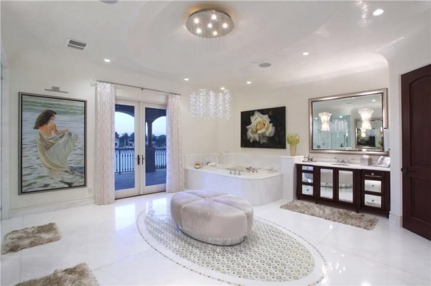 37 custom master bathroom designs by top designers worldwide for Master bathroom ottoman