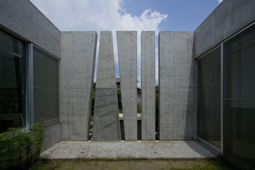 Concrete Slit House By Eastern Design Office
