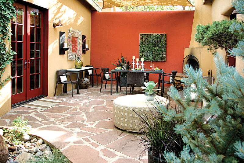 Mark design creates private southwest style courtyard - Decoracion patios exteriores ...