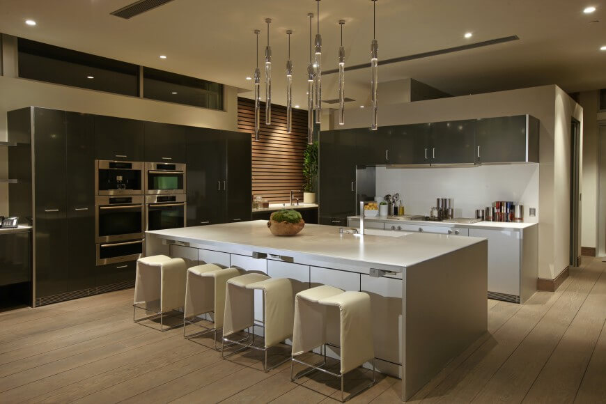 24 incredible custom kitchen designs pictures by top for Ultra modern kitchen designs