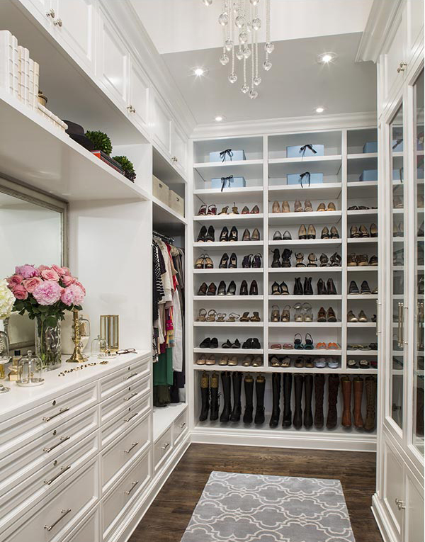 11 incredible walk in wardrobes for women by top designers for Ladies closet design