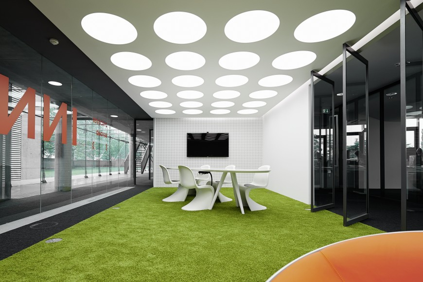 Remarkable modern corporate office interior design for Marketing office design