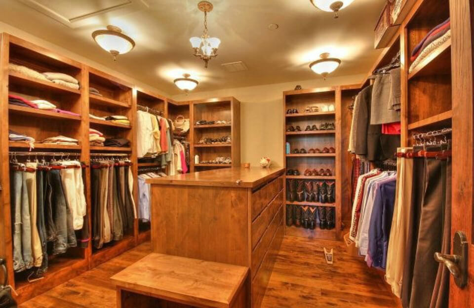 28 Incredible Walk In Closets Wardrobes For Men And Women