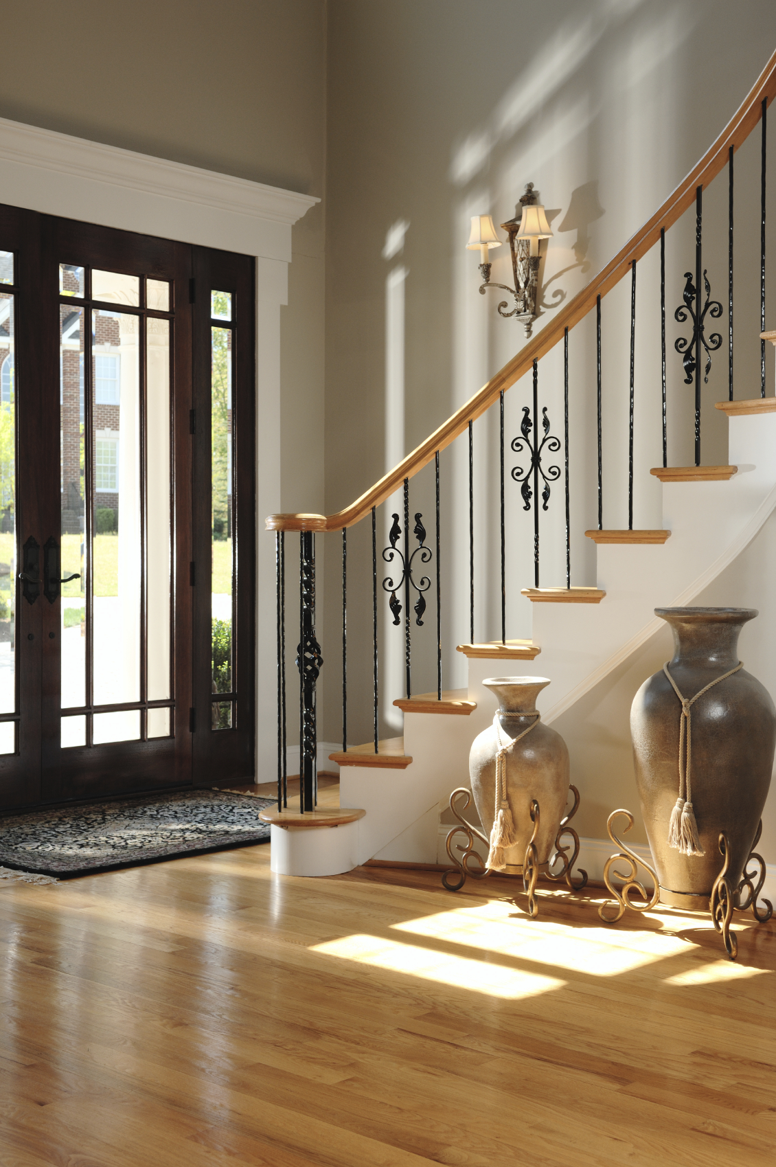 46 beautiful entrance hall designs and ideas pictures for Foyer staircase ideas