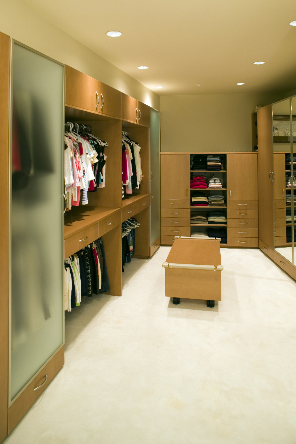28 Incredible Walk In Closets Amp Wardrobes For Men And Women
