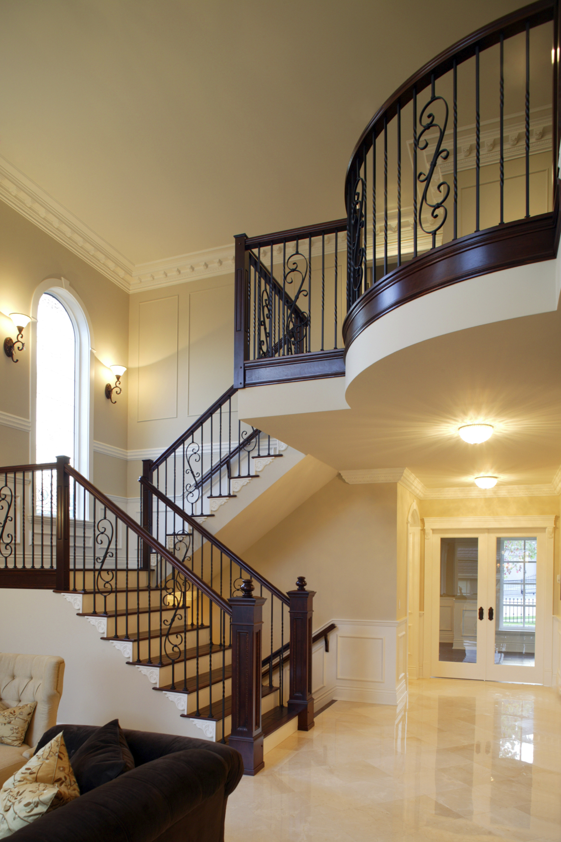 46 beautiful entrance hall designs and ideas pictures for Home designer stairs with landing