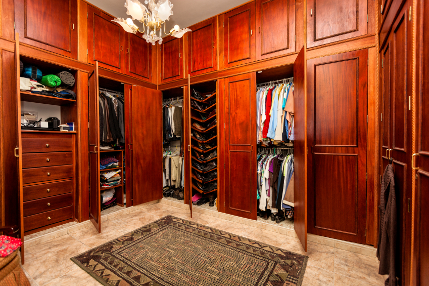 28 incredible walk in closets wardrobes for men and women - Mens walk in closet ...