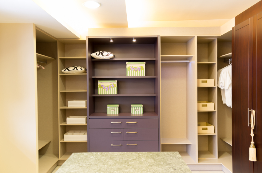 28 incredible walk in closets wardrobes for men and women for Cost to build walk in closet