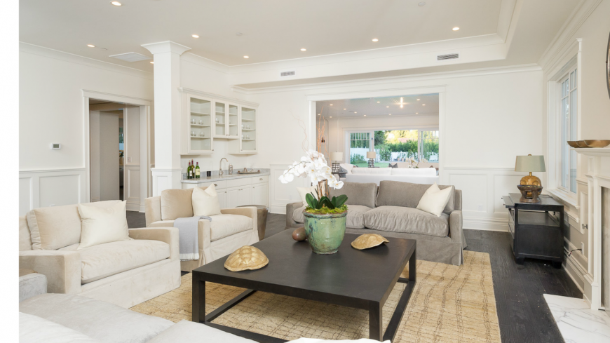 Awesome A Light Airy Living Room With Natural Accents Including An Orchid  Turtle Shells With Small Bar For Living Room