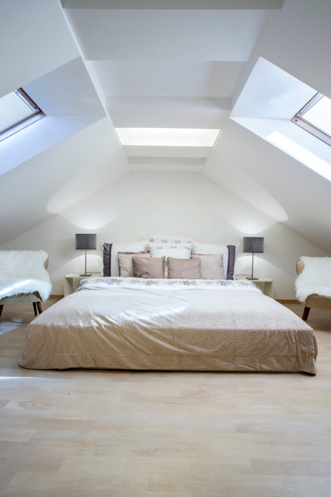 Exceptionnel ... Attic Bedroom Design. A Trio Of Skylights Pour Light In From Different  Angles Onto The Spacious Bed. A