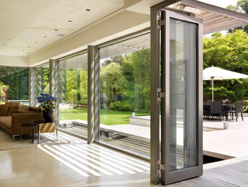 Gregory Phillips Architects Creates Modern Garden Oasis