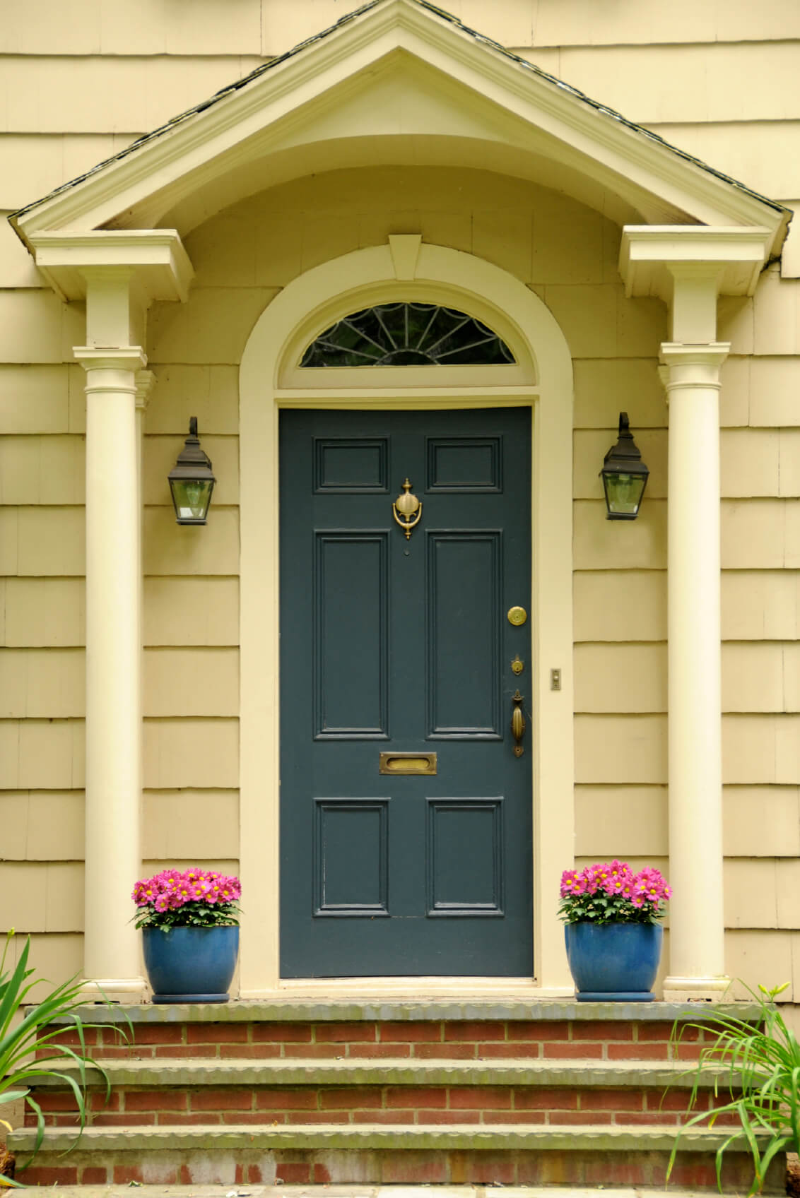 21 cool blue front doors for residential homes it has a teal blue door with brass locks rubansaba