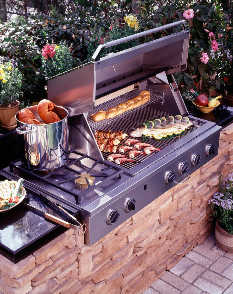 33 Outdoor Kitchen Ideas and Designs (Pictures) on Exterior Grill Design id=17370