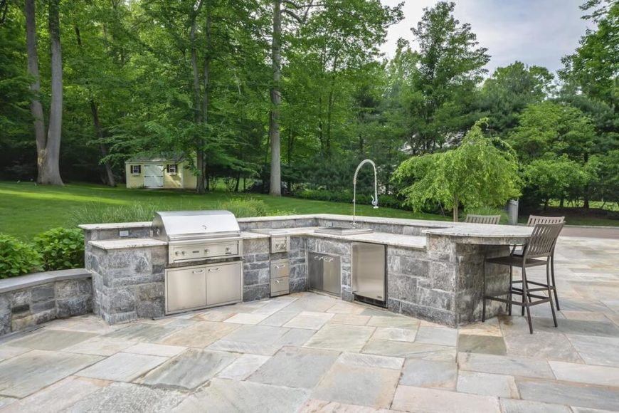 33 outdoor kitchen ideas and designs pictures for Outdoor stone kitchen designs