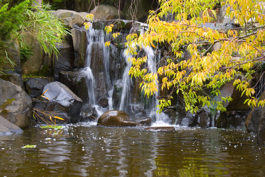 In Larger Public Gardens, Garden Waterfalls More Closely Resemble Natural  Waterfalls, Including The Enormous