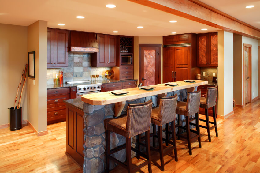52 enticing kitchens with light and honey wood floors for Show kitchen islands