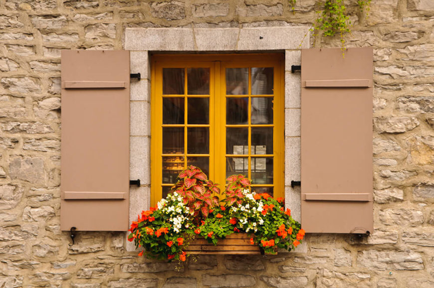 32 stunning flower box ideas arrangements for Craftsman style window boxes