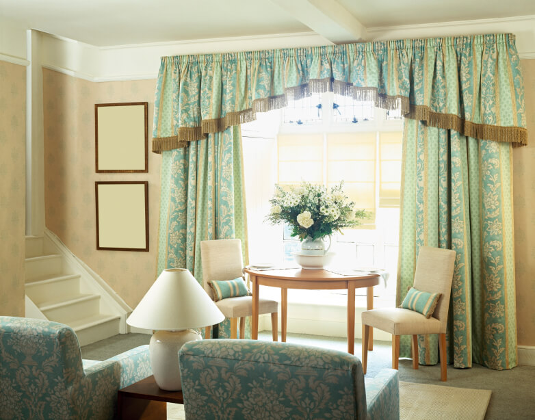 53 living rooms with curtains and drapes eclectic variety - Living room with bay window ...