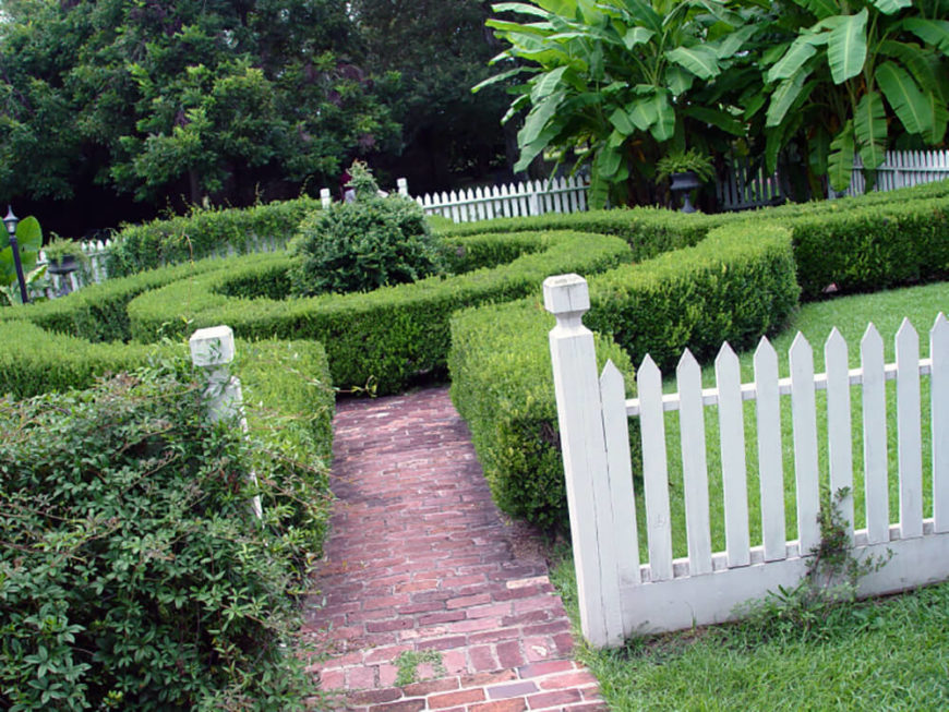 This Beautiful Space Has A Round Hedge Creating A Small Maze For Multiple  Pathways. The