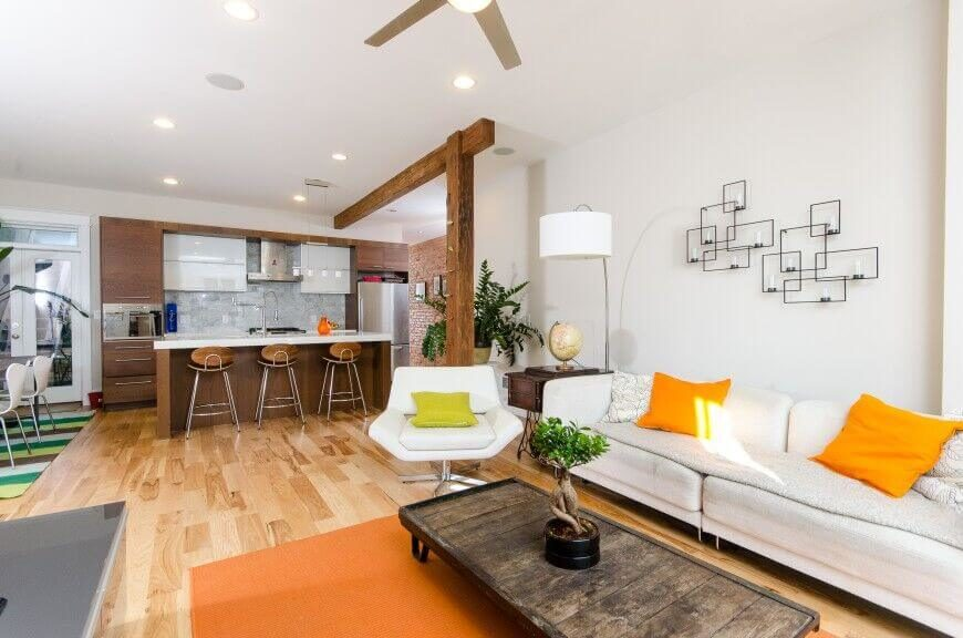 The White Back Drop Of This Room Allows The Use Of The Bright Colors And  Natural