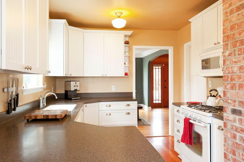 Inspiring Kitchens With White Cabinets And Dark Granite PICTURES - Light colors for kitchen walls