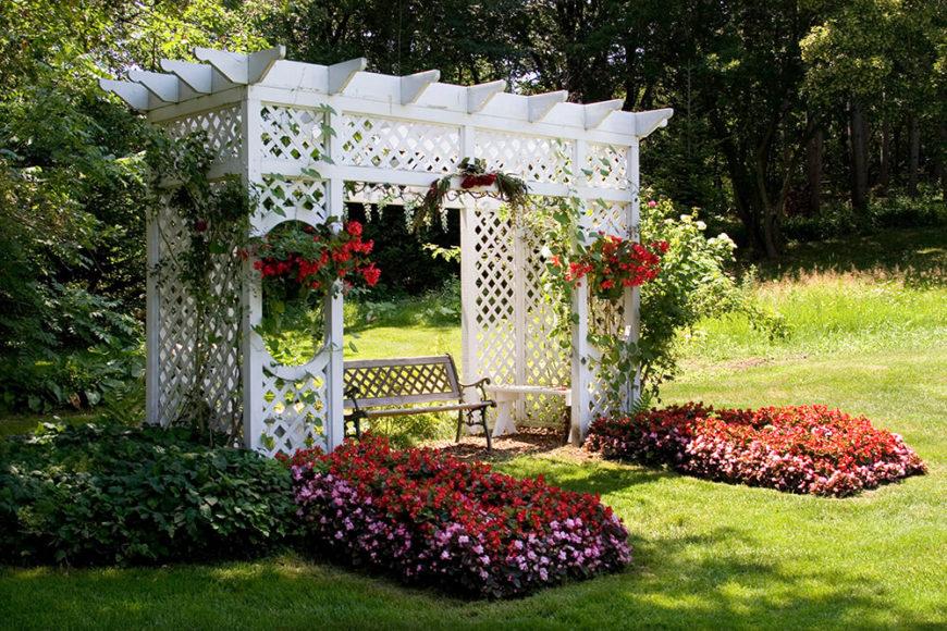 41 incredibly beautiful backyard pergolas for Romantic patio ideas