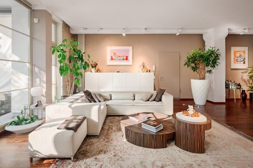 plants for living room. Setting the base of room as white with accents tan  brown and 32 Lively Living Rooms With Houseplants GREAT PICTURES