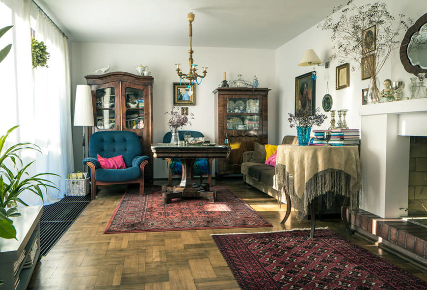 21 Living Rooms With Antique Furniture Home Stratosphere