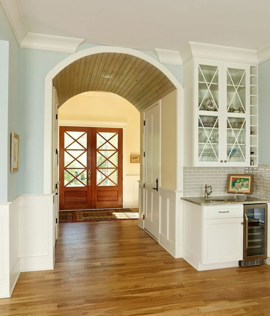 Foyer Door Color : Gorgeous foyers with wainscoting
