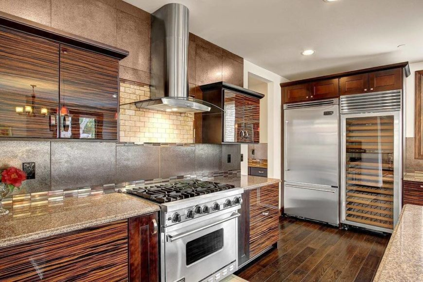34 gorgeous kitchens with stainless steel appliances for Dark brown kitchen cabinets with stainless steel appliances