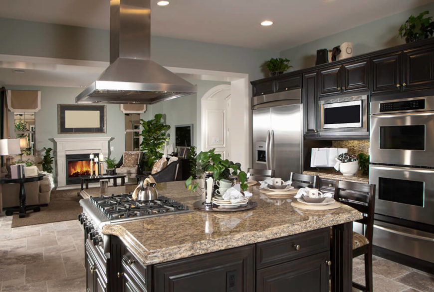 34 gorgeous kitchens with stainless steel appliances for Kitchen countertops and cabinet combinations