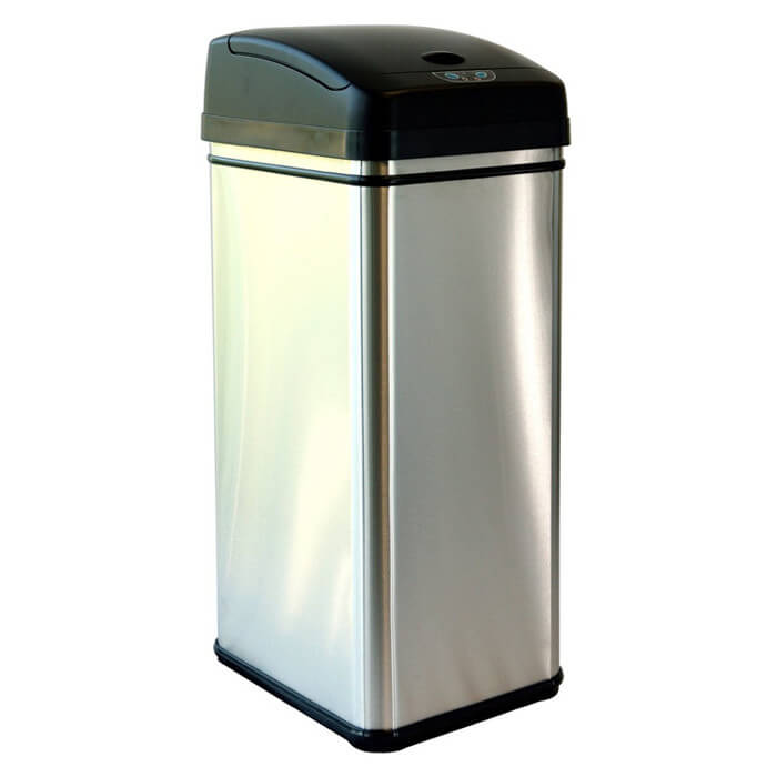 Our first touchless trash can model is a simple metal design with a black top that could be placed unassuming in nearly any home. The best part of the design is how it draws little to no attention to itself, working as intended.