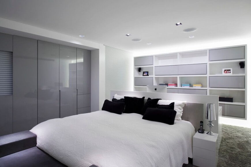 Marvelous 30 Stunning Bedrooms With Stylish Desks Or Office Spaces Largest Home Design Picture Inspirations Pitcheantrous