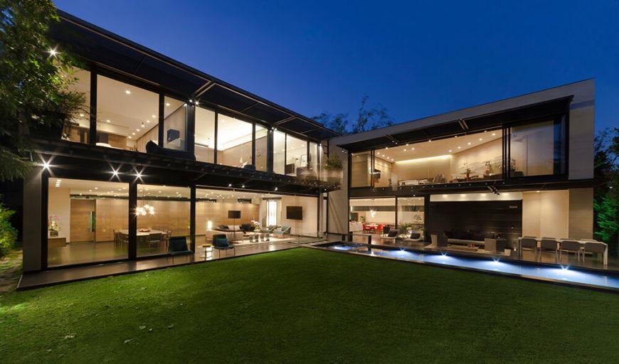 Staggering Casa Dalias by Grupo Arquitectura