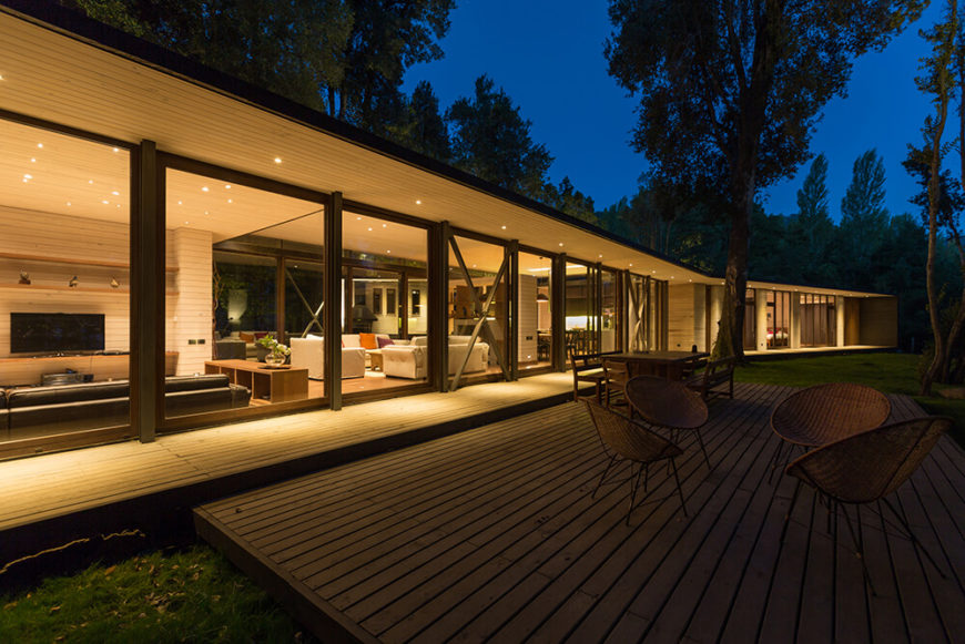 Incredible House On Lake Villarrica By Planmaestro Arquitectos
