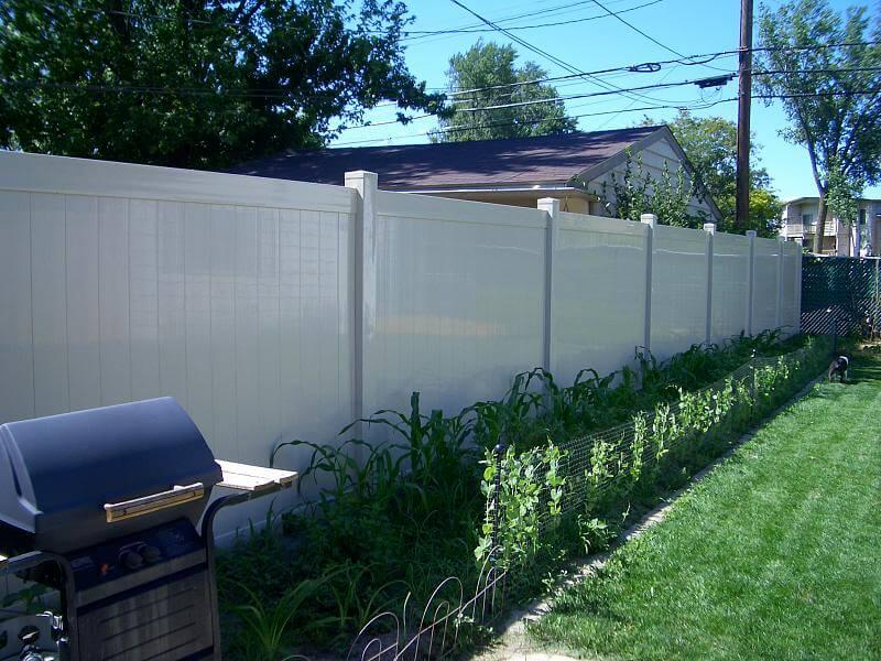22 vinyl fence ideas for residential homes for 50ft garden design