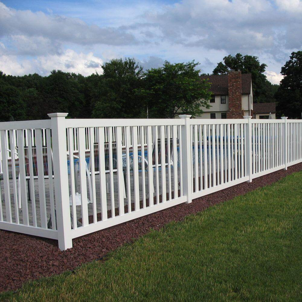 Fences And Gates: 22 Vinyl Fence Ideas For Residential Homes