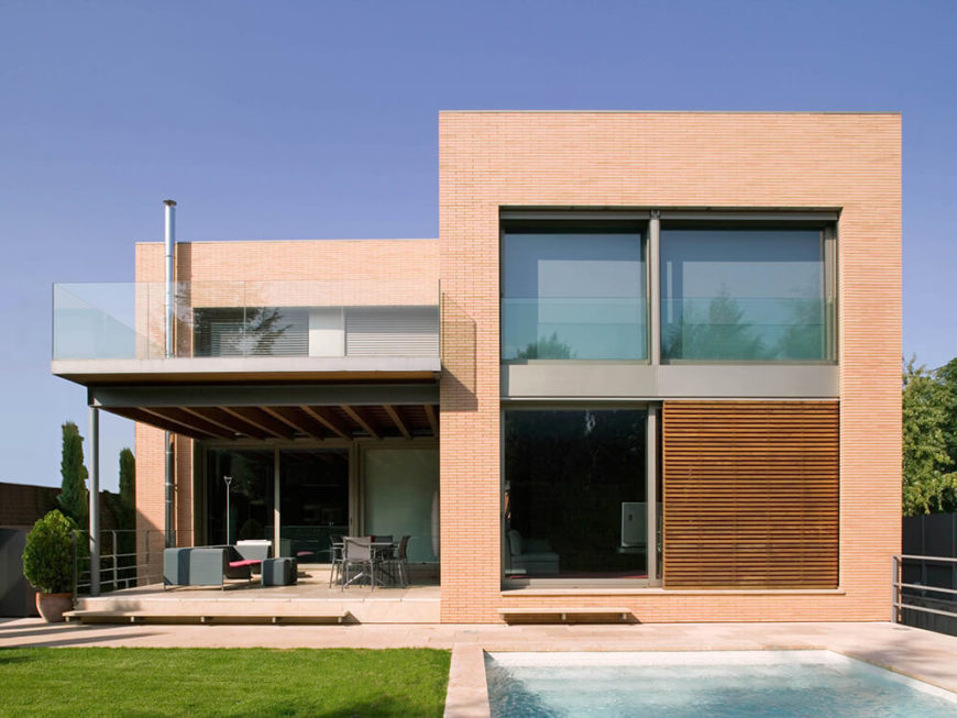 Intriguing b house by artigas arquitectes B house