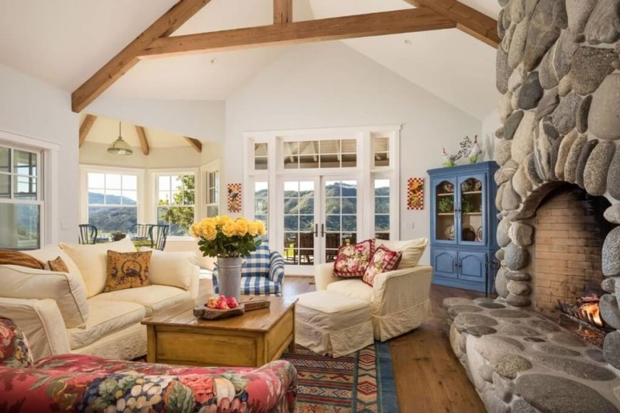 Cottage Living Room Bright Rug