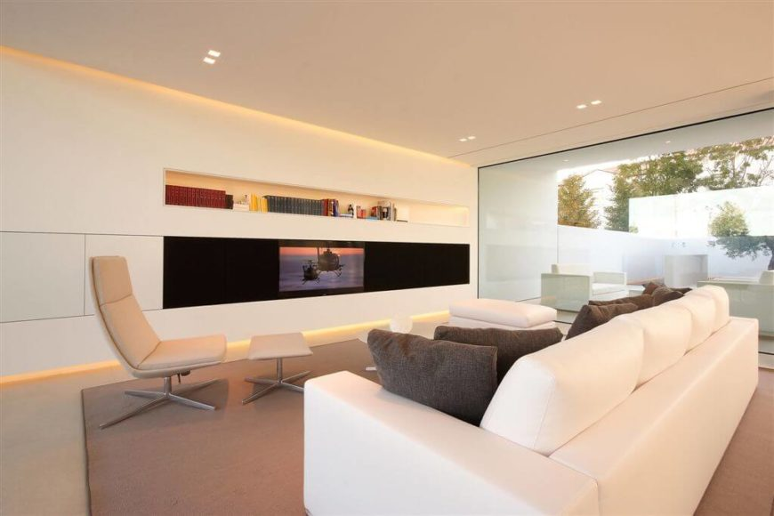 One Long Built In Self Sits Above The Television. This Is Good Sleek And  Interesting