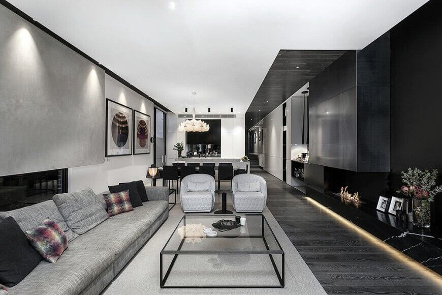 Here Is A Living Room With Multiple Wall Types That All Add Different Elements To This